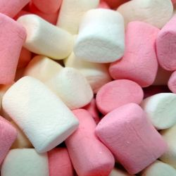 Heavenly Mallows [Strawberry & Vanilla Flavoured Marshmallows] 140g Bag